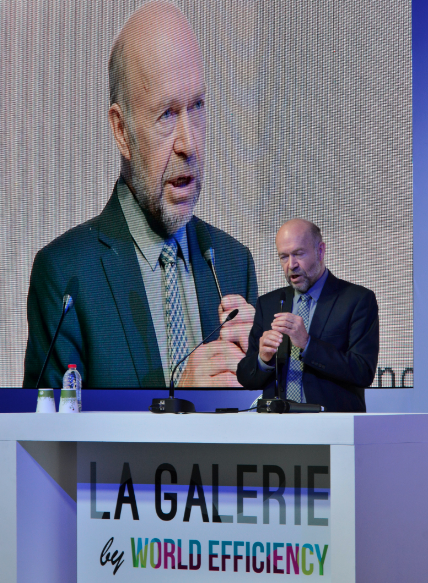 James Hansen lors d'une conférence du think tank de la transition carbone, The Shift Project, à l'occasion de la COP21. ©vr